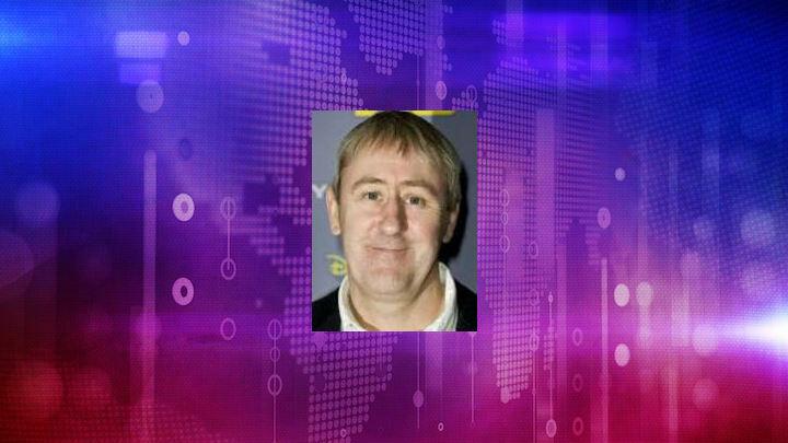 Fame Nicholas Lyndhurst Net Worth And Salary Income Estimation Dec 2020 People Ai